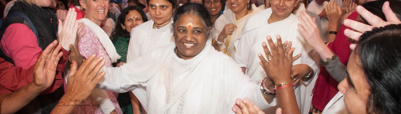 Manush Calendario.Yatra Amma Mata Amritanandamayi Devi