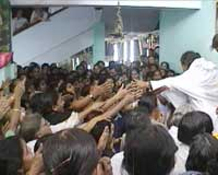Amma with devotees in Calicut