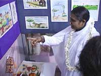 Amma visiting an exhibition