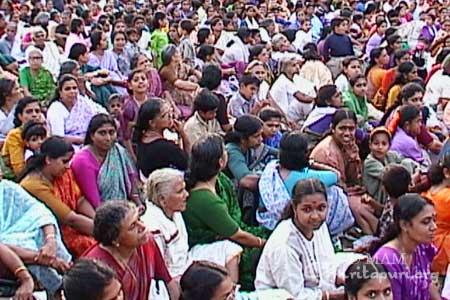Crowd gathered for Ammas Trissur program