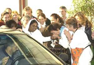 Amma arrives in Paris