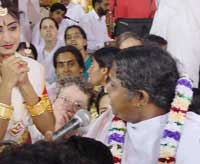 Amma singing Gujarati in Kochi