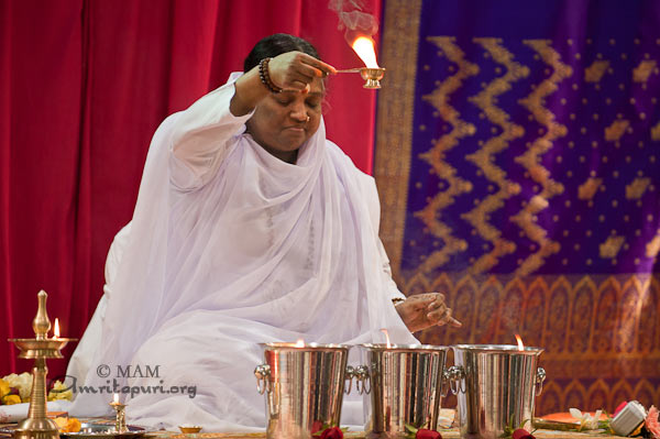 Mantra Japa: Amma on chanting the name of the Lord - Amma