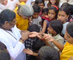 Amma with children