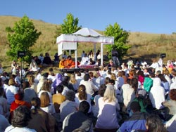 Amma with devotees in San Ramon ashram