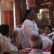 Amma chanting peace prayer Lokah Samastah Sukhino Bhavantu