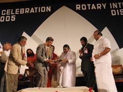 Amma receiving Rotary award