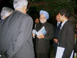 Prime Minister of India, Dr. Manmohan Singh, with Dr. P. Venkat Rangan, Vice Chancellor, Amrita University.