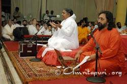 Amma giving satsang on Onam