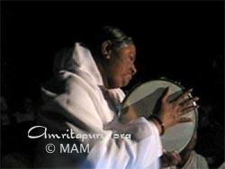 Amma singing a bhajan