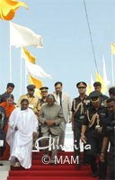 Amma with the President of India, Dr. Abdul Kalam, inaugurating Amrita Setu