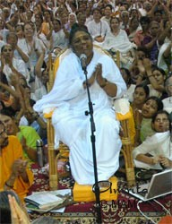 Amma talking to the devotees on January 1, 2007