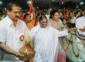 Amma is painting the picture of a new Bharat