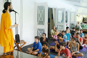 Br. Shantamrita talking to kids in Fiji