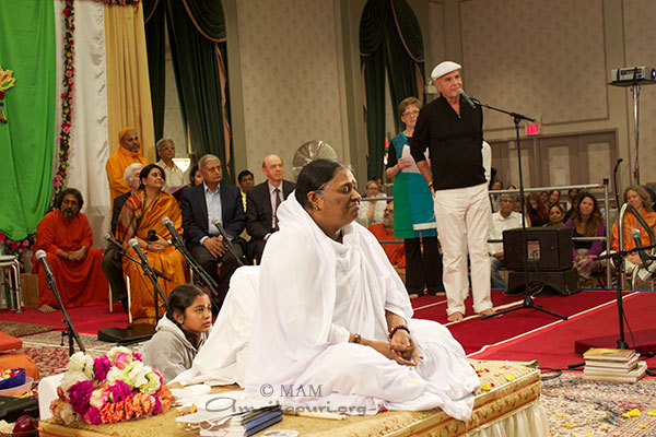 Dr. Wayne W. Dyer, Internationally renowned author and speaker in the field of self-development, welcomes Amma to Toronto