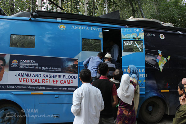 Amrita Hospital flags off medical relief to flood-hit in Jammu