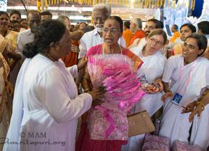 sari distribution