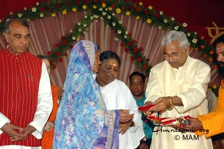 Mother of Lucknow's poor, handicapped and homeless - Amma
