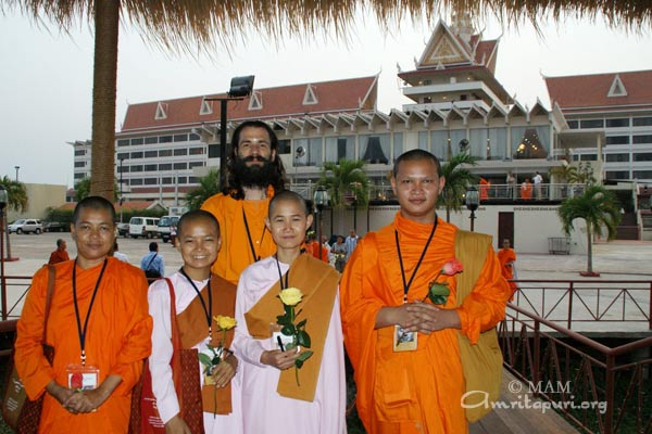 Shantamrita with buddhist monks