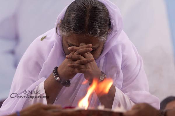 mantras Archives - Amma, Mata Amritanandamayi Devi