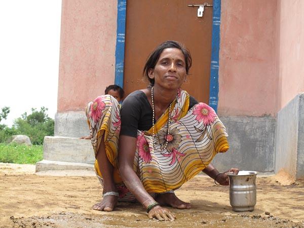 Gift of grace in Raichur - Amma, Mata Amritanandamayi Devi