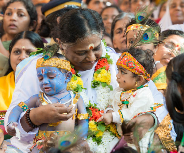 Amma with little Krishnas