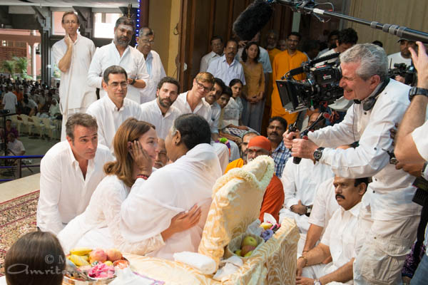 French director lelouch to honour amma in his next movie for Dujardin film inde